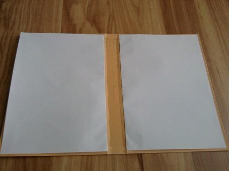 26.-An-jede-Seite-ein-Bogen-kleben
